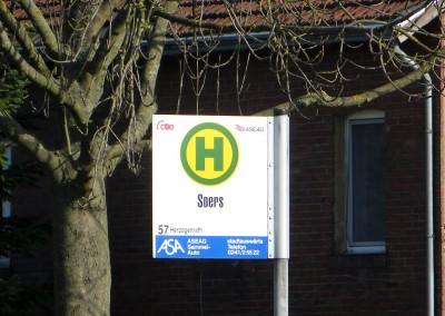 """""""Unsere"""" Bushaltestelle."""